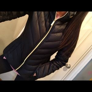 Michael kors black lightweight puffer jacket M